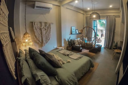 Cozy Villa Near Corong-Corong Beach
