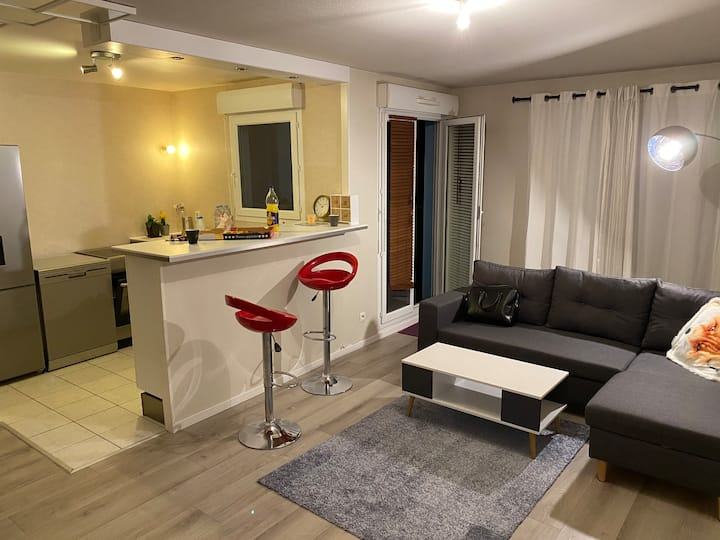Cosy apartment at 2 min from Cergy Le Haut RER A