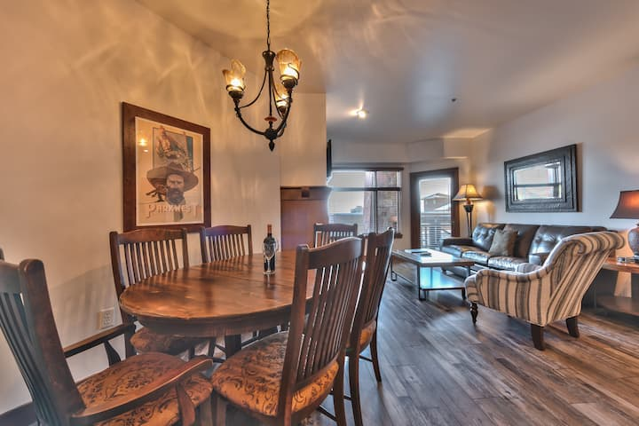 Unequalled *Ski in Out* Location Next to Gondola, Superior 1 Bedroom, Pool, Golf, Conde Nast Winner++ (B214B)