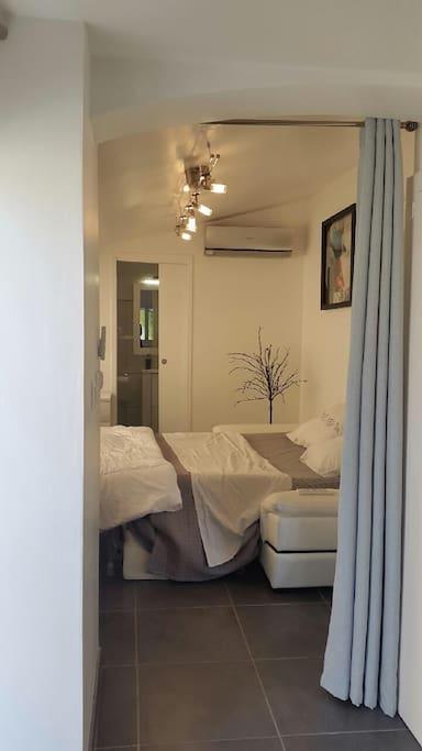 Chambre avec canapé-lit grand confort
