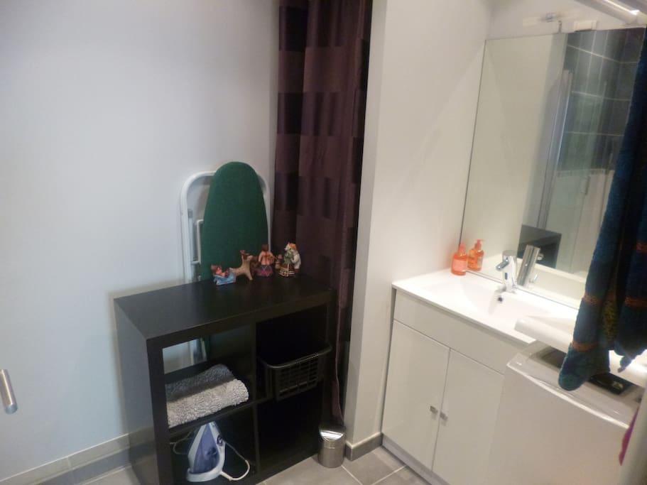 Salle de douche / Toilettes