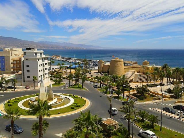 Acogedor Apartamento a 50m. de la playa - Roquetas de Mar - Apartment