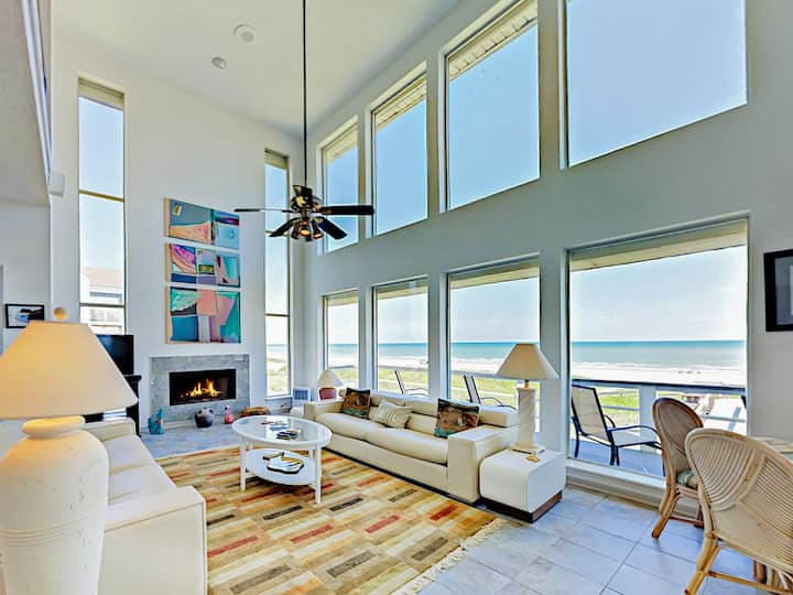 Beachfront Gem: Epic Views, Deck, Beach Boardwalk