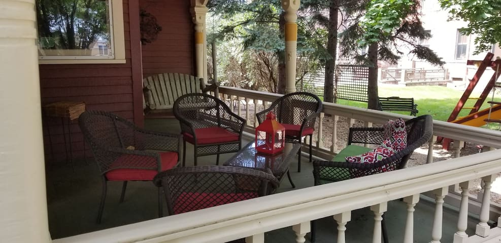 Common Area - Front Porch w/Loveseat Swing