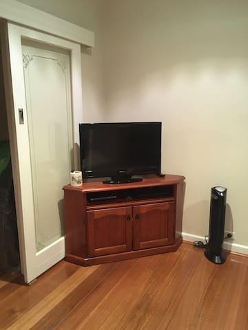 Bullen dream house room 3