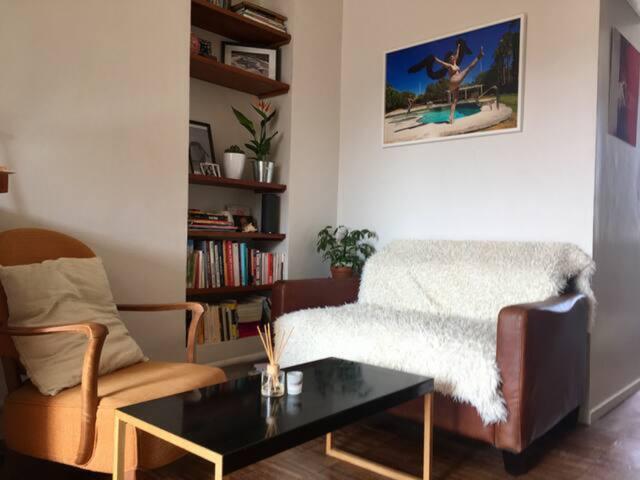 Elegant entire flat at République