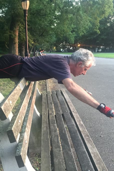 TC Master Robert M* Balances on a Bench