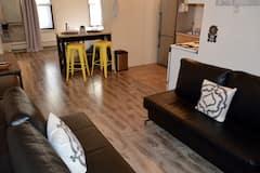 Large+%26+Sunny+Apartment+15+Minutes+to+Manhattan