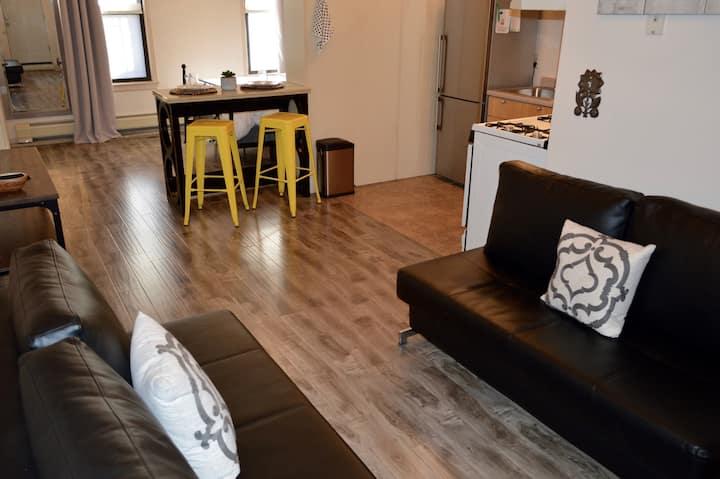 Large & Sunny Apartment 15 Minutes to Manhattan