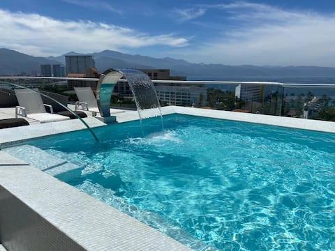 NEW!! Rooftop Pool - 2 Bdrm apartment at MARINA