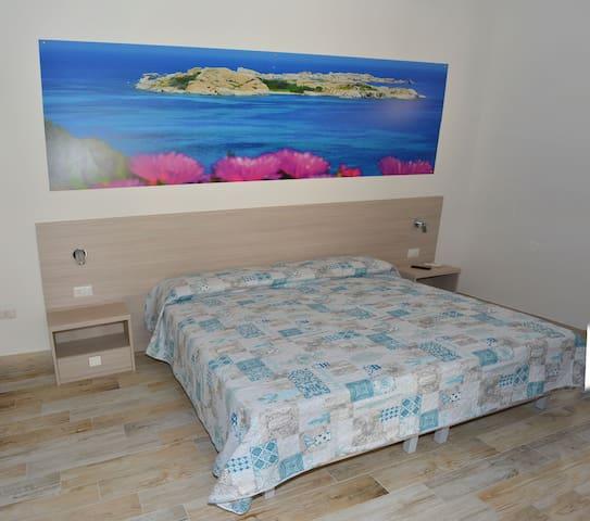 Affitta Camere2 Mio&Tuyo 200 MT. Spiaggia Rena B.