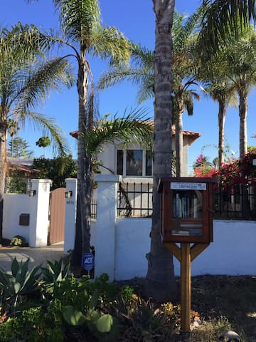 2 private bedrooms, ocean view, shared kitchen - San Diego - House
