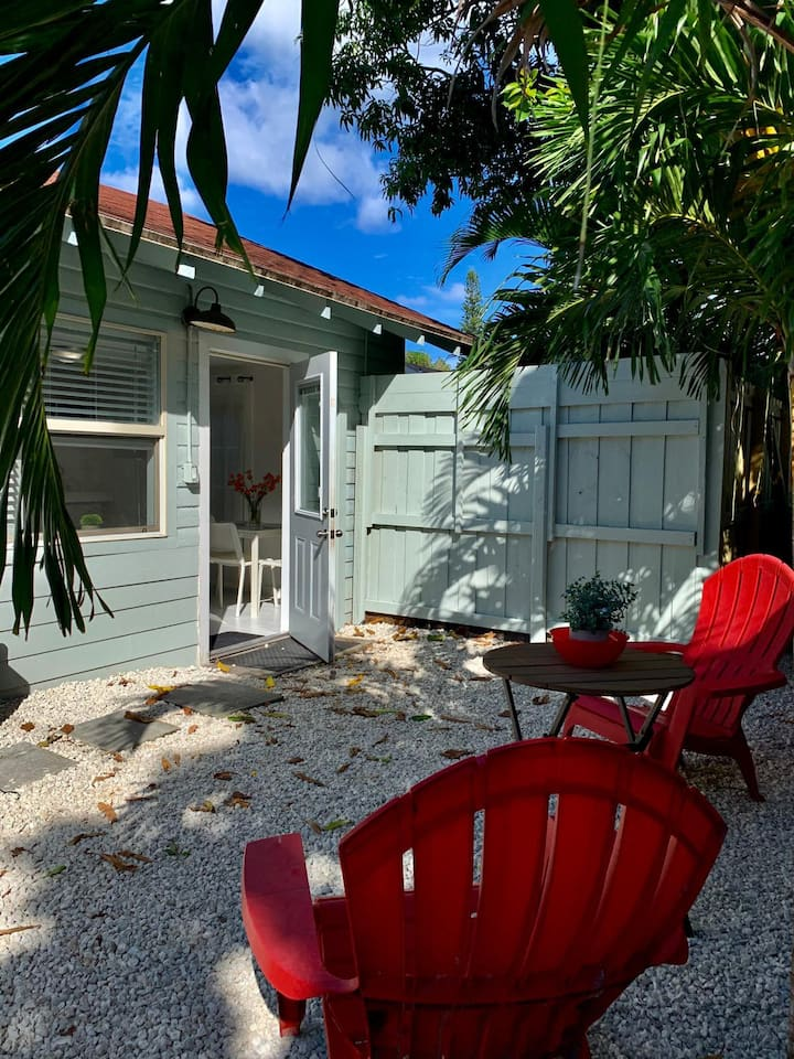 Private Cottage in Lake Worth Beach/Palm Beach