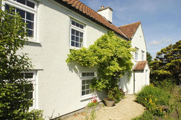 Gardener's Arms Cottage Sleeps 14, beautifully furnished Somerset country cottage  offering lovely group accommodation. - Langford - House