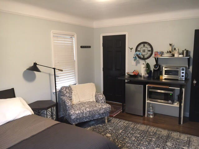 Spanish Updated In-Law Suite - Long Beach - Apartment