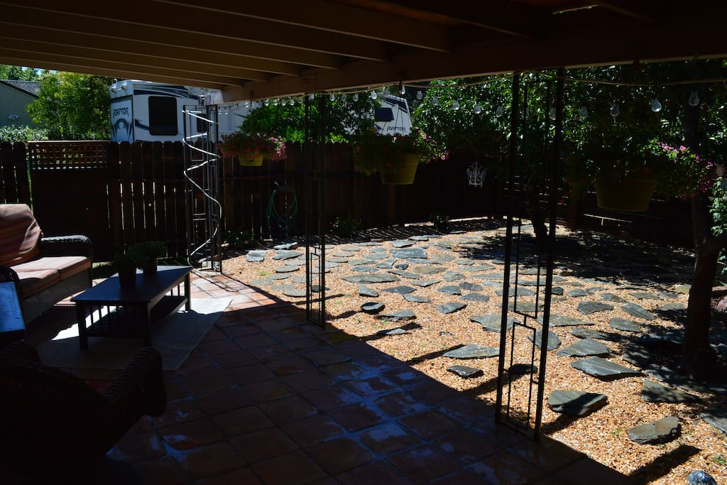 Large furnished private court yard