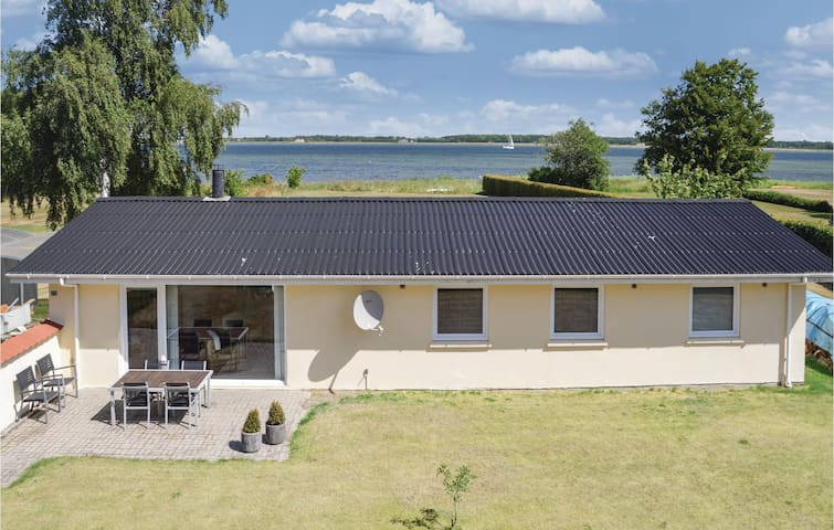 Holiday cottage with 4 bedrooms on 124m² in Storvorde