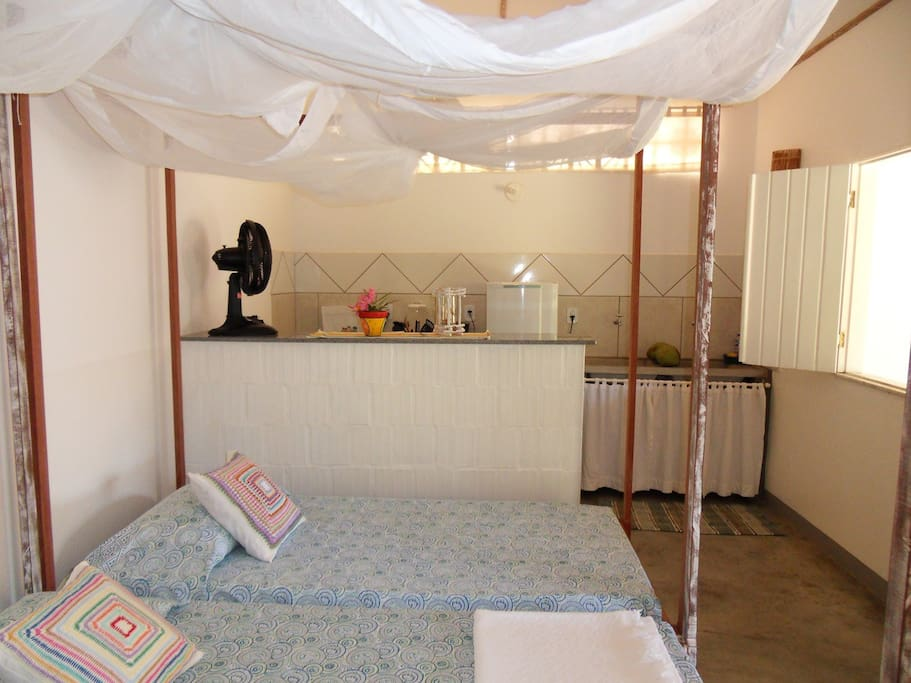 Betten mit Moskito-Kasten-Baldachin