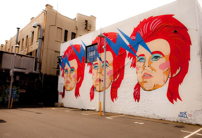 BOWIE APARTMENT IN GHUZNEE ST  CAR PARK ON REQUEST