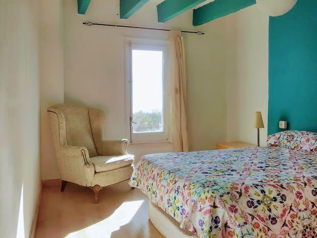 Encantada casita individual muy bien situada