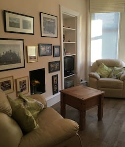 Ground Floor Flat in Dennistoun - Glasgow - Apartment