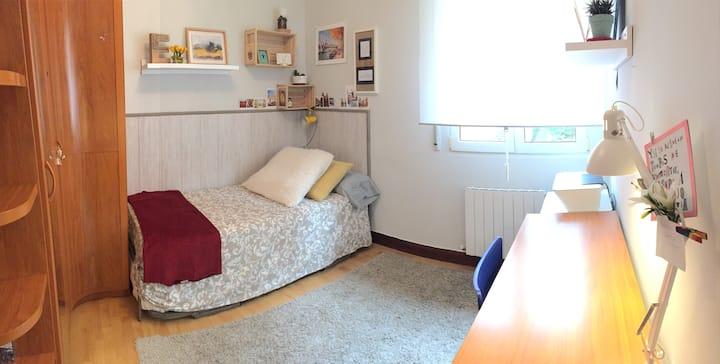 Hab. Céntrica, Tranquila y Práctica (2 camas 0,90)
