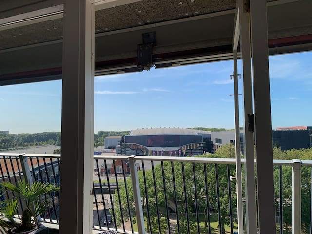 Spacious apartment with a view on Ahoy Rotterdam