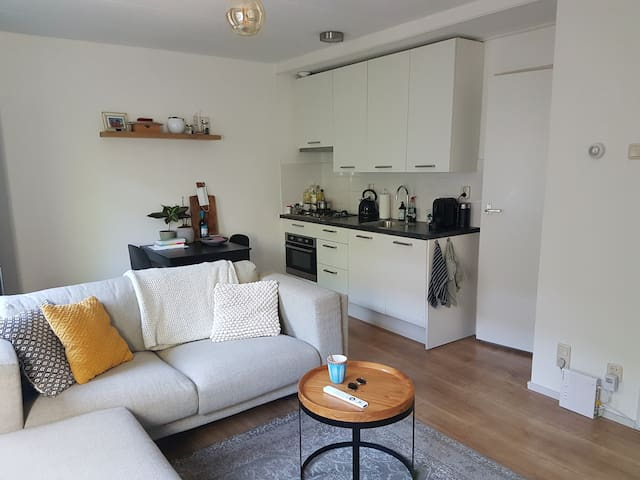 Sfeervol appartement in de Zeeheldenbuurt