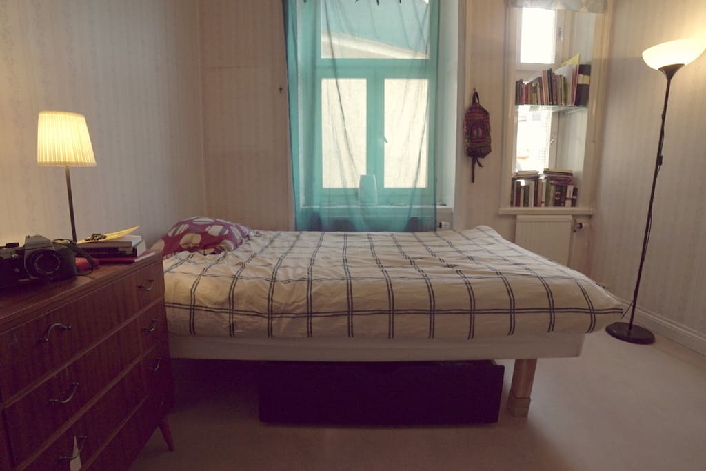 Bedroom with double-size bed