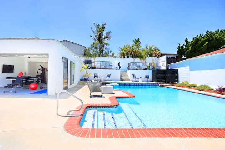 TRIBE ❤️ Stunning Remodeled 3BR w/ Large Spa Pool
