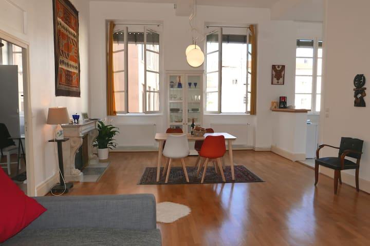 Cozy apartment, heart of Croix-Rousse, Lyon