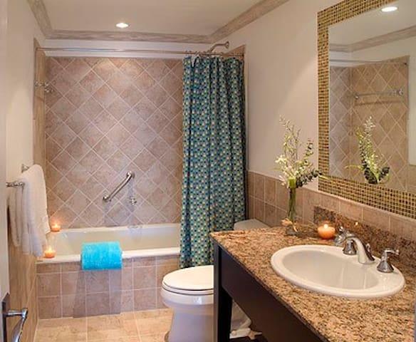 En suite Bathroom I Master Bedroom