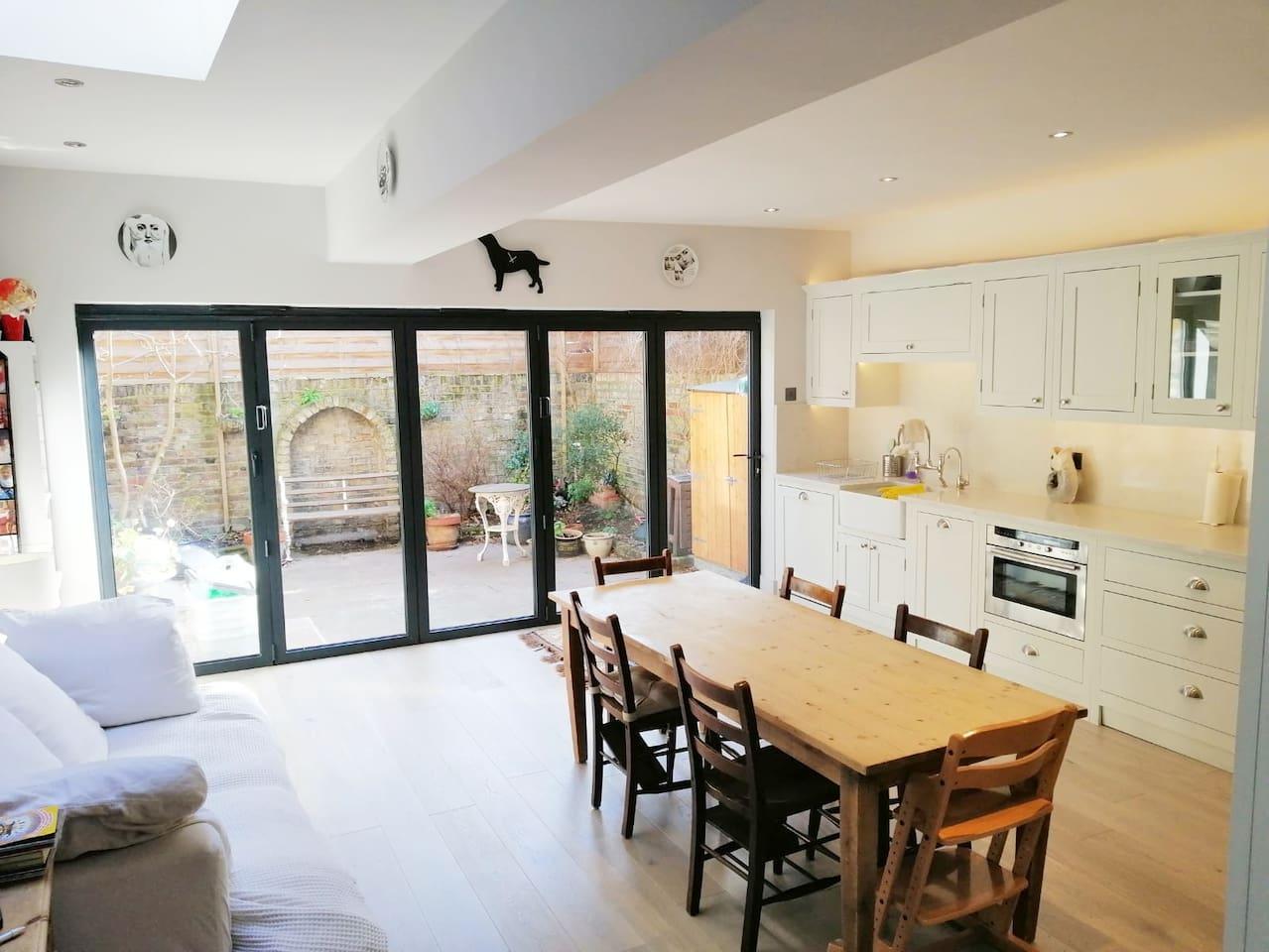 Huge shaker kitchen, marble worktops, bifold doors