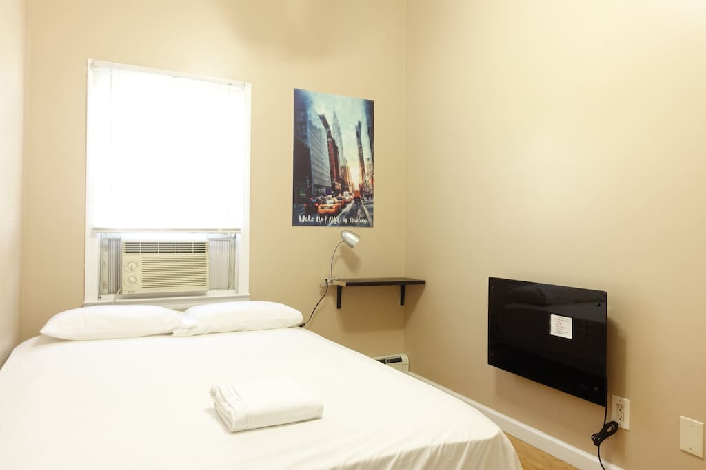 3 BLOCKS FROM PRUDENTIAL CENTER-BOOK NOW
