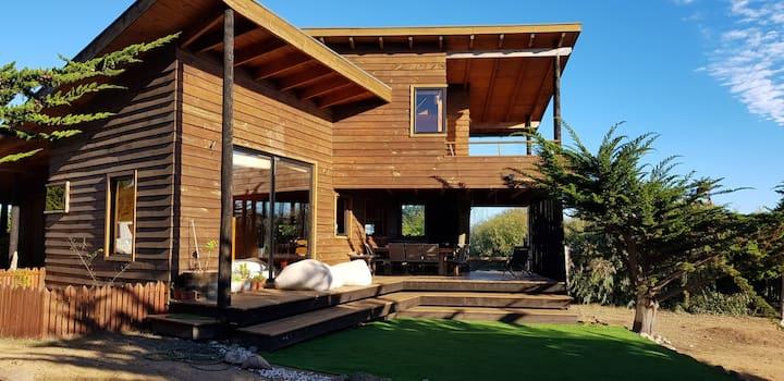 Casa protegida del viento con bajada playa mtz