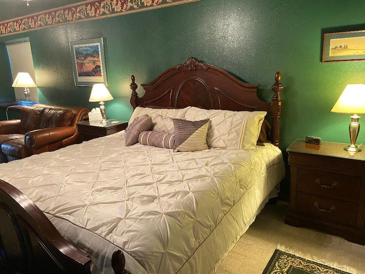 French Country Inn-Bedroom 1-Luxurious