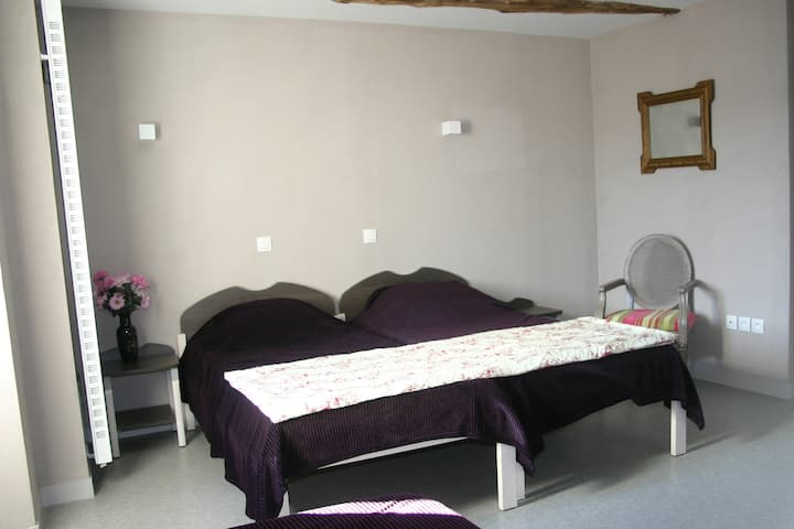 Chambre 3 p dans un gîte, près de Rennes