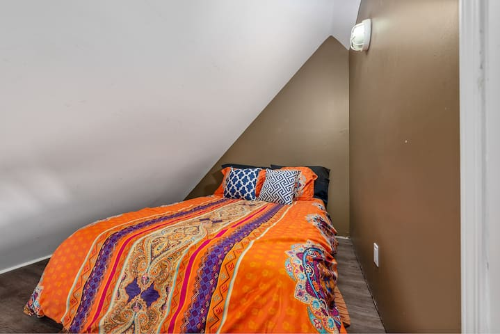 A second comfy double bed in 2nd floor of the loft