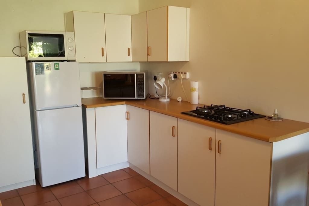 Kitchenette with gas hob