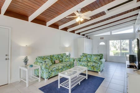 Dog-friendly home w/ 60 ft. of dock space & access to Cabana Club, shared pool.