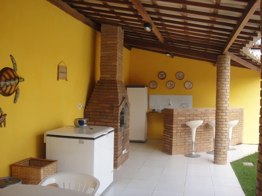 Área da churrasqueira c/banheiro