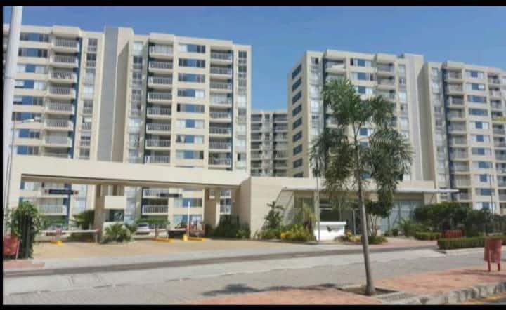 Espectacular apartamento en Puerto Azul club house