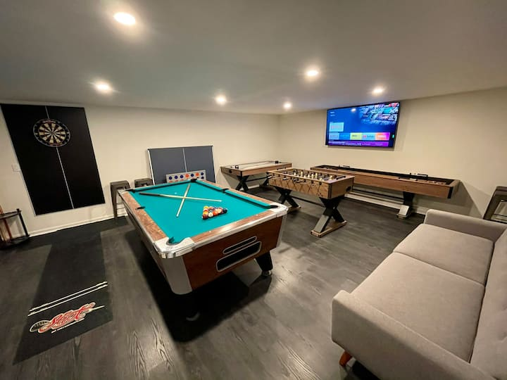 Your Pocono Dream Home Complete with Game Room.