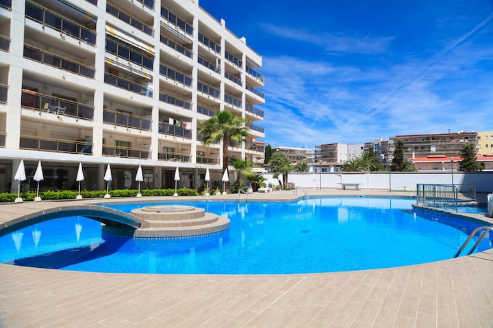 NICE APARTMENT WITH SWIMMING POOL IN THE CENTRE OF SALOU S104-231 MICHELANGELO