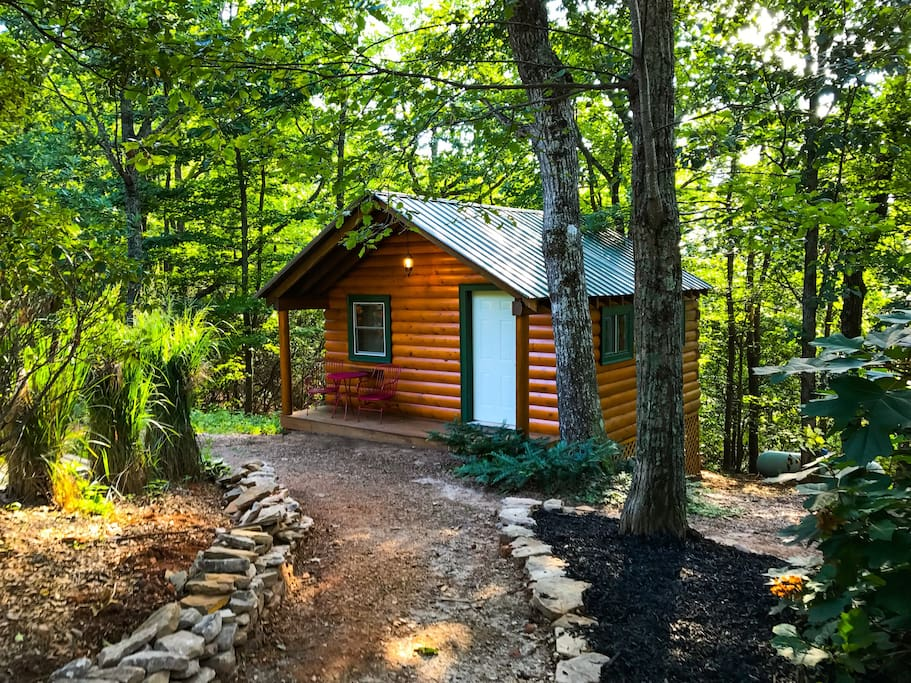 Log cabin tiny home cabins for rent in dahlonega for Large cabin rentals north georgia