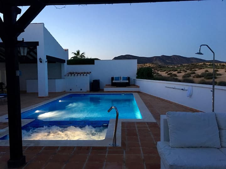 El Valle Lux  5* Villa -Pool & Jacuzzi/Golf Murcia