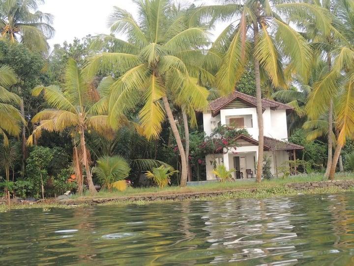 Hideout Backwater Island Villa near Cochin