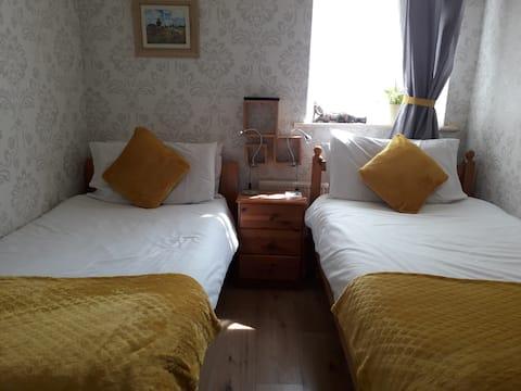 twin room in Brendan and Beatrice Irish home