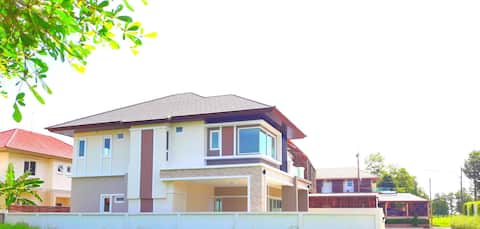 Private House for 9 guests, Near Donmuang Airport