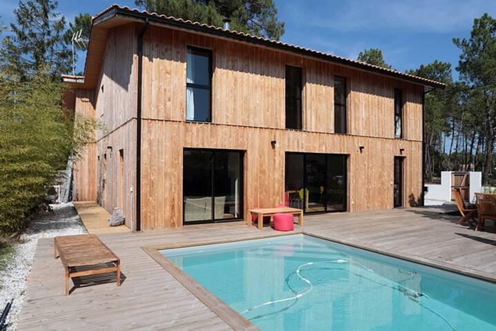 Bassin d'Arcachon, Villa Bois avec piscine